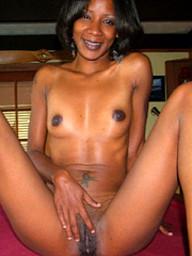 Nice photo gallery of a sexy ebony..