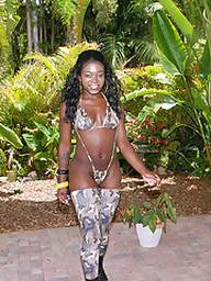 Ebony girl Christine exposes her black..