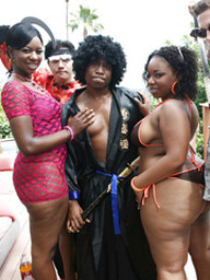 Black babes Kiwi and Brownii strip off..